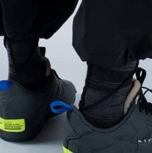 Nozzle Quiz – Overlock Midcalf Socks – Sewn Black